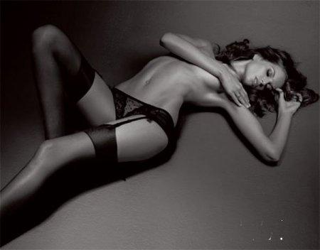 Черно-белые фотографии девушек (8 фото)