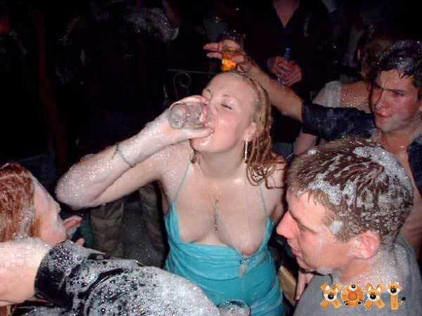 голые пьяные смешные бабы-ро2