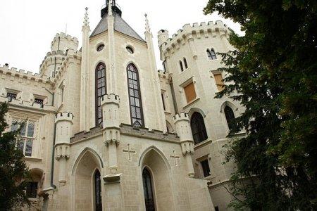 Белоснежная жемчужина - замок Глубока