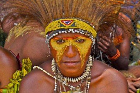 Жизнь современных папуасов