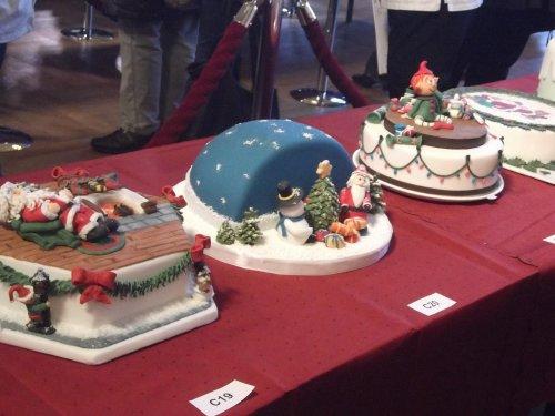 Прикольные торты фото 2012
