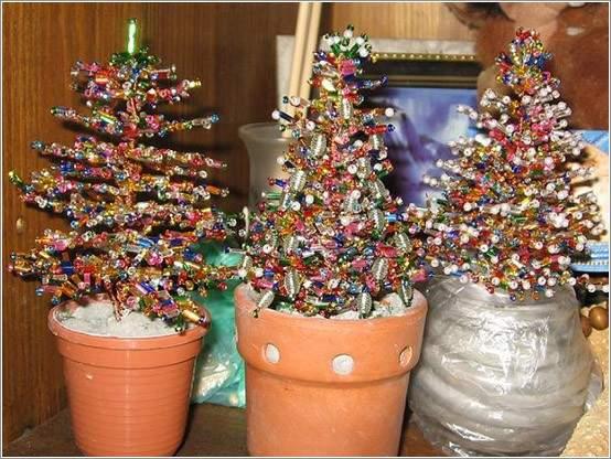 Новогодние елки из разных материалов своими руками