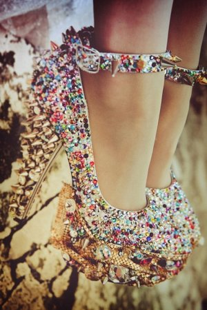 Интересная и странная женская обувь