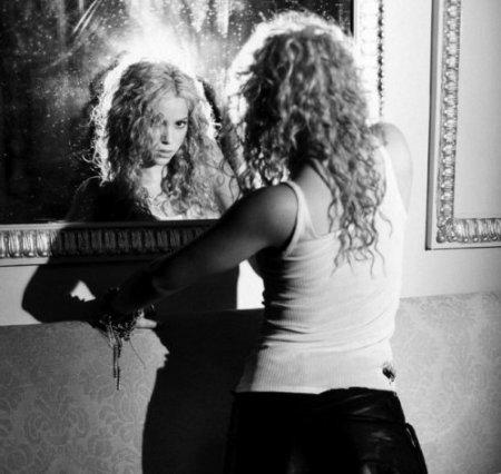 Черно-белые фото знаменитостей